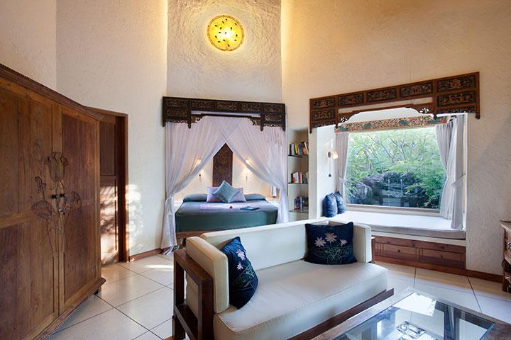 Lotus-Livingroom