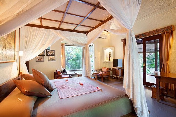 Lotus-Room